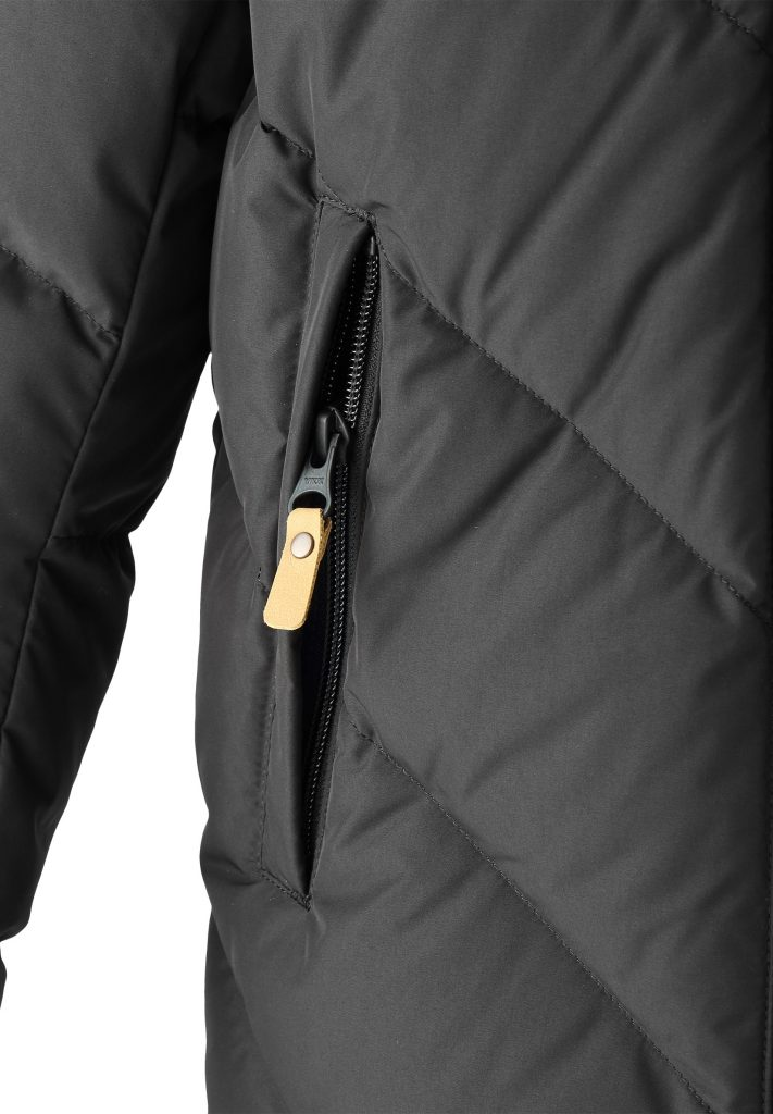 Reima Beringer Cierna zimna detska paperova bunda