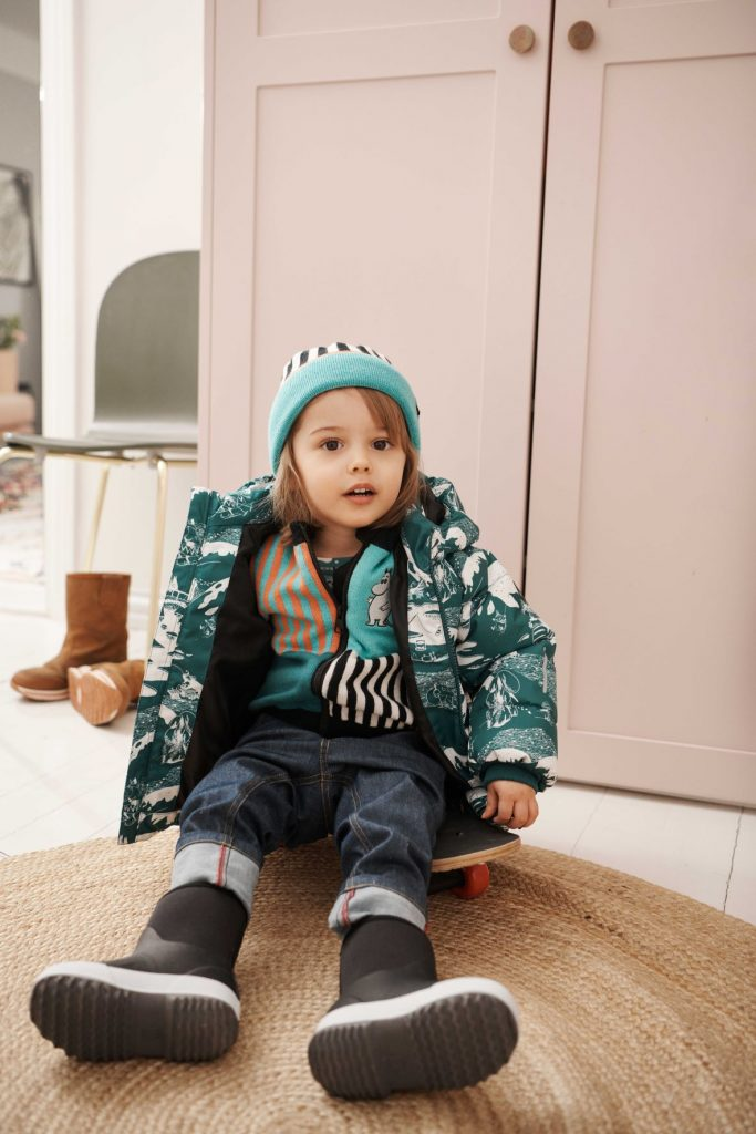 528736-9991_Reima Moomin Flinga - Black detska vlnena zimna ciapka